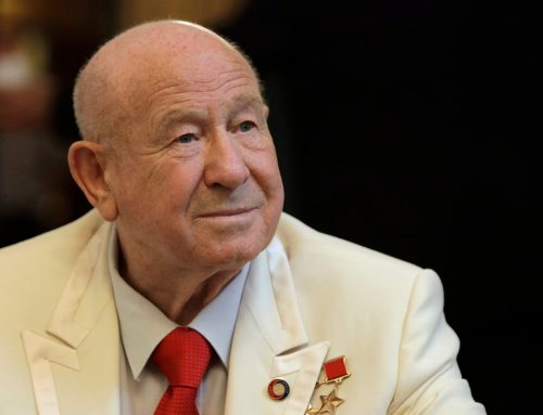 Alexei Leonov, first man to walk in space, dies in Moscow