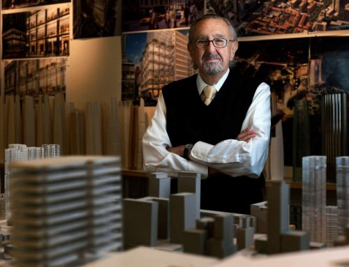 In 2010, Cesar Pelli was awarded The BrandLaureate Patron Awards for his contributions to the nation.